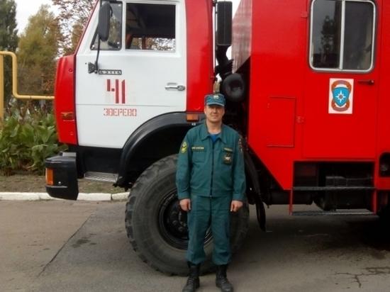 Спасасатель. Фото пресс-службы МЧС России по РО
